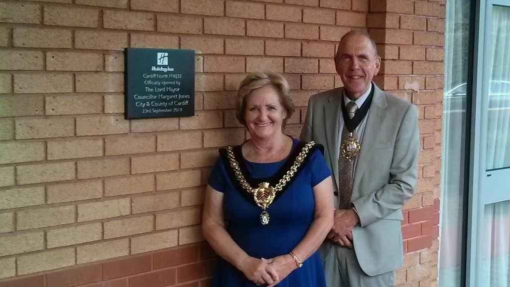 Lord Mayor beside plaque