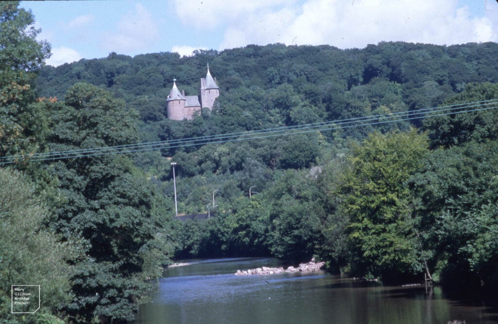 Castell Coch from iron bridge August 1999, Sewer insertion in river bed