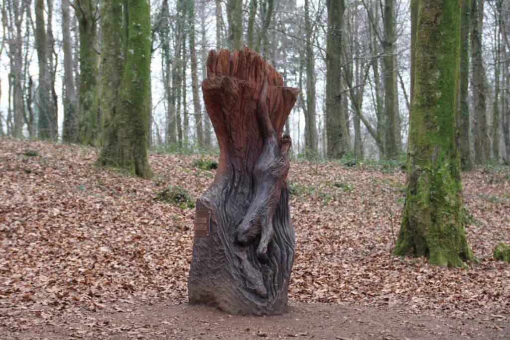 Wooden sculpture of an otter