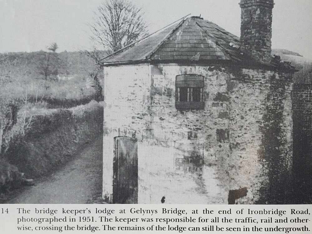 Photo of the bridge keeper's lodge from 1951